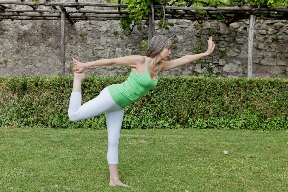 Rose romani demonstrates Natarajasana